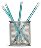 Blauwe potloden in een zilveren potloodpot   Royalty-vrije Stock Foto's