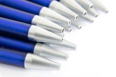 Blauwe schacht blauwe ballpointen Stock Foto
