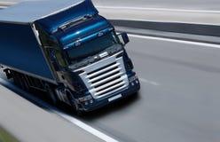 Blauwe semi vrachtwagen Stock Afbeelding