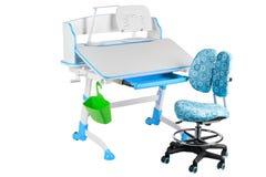 Blauwe stoel, blauwe schoolbank, groene mand en bureaulamp Stock Foto