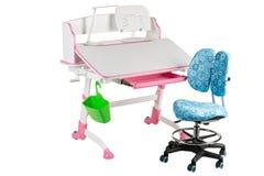 Blauwe stoel, roze schoolbank, groene mand en bureaulamp Stock Afbeeldingen