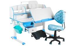 Blauwe stoel, schoolbank, blauwe mand, bureaulamp en zwarte steun onder benen Royalty-vrije Stock Foto's