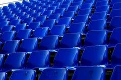 Blauwe stoel in Tijdelijk stadion Stock Afbeeldingen