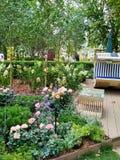 Blauwe stoelen in het park Royalty-vrije Stock Afbeelding