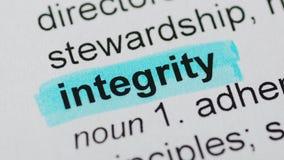 Blauwe teller op integriteitswoord stock video