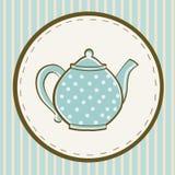 Blauwe theepot met punten op gekleurde achtergrond Royalty-vrije Stock Afbeeldingen