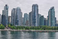 Blauwe vensters van Vancouver stock fotografie