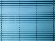 Blauwe vensterzonneblinden royalty-vrije stock foto