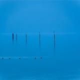 Blauwe water en hemel Stock Afbeeldingen