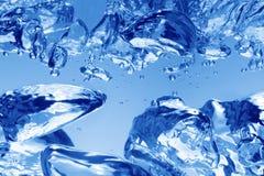 Blauwe waterbellen royalty-vrije stock fotografie