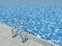 Blauwe waterspiegel in openluchtpool Stock Foto