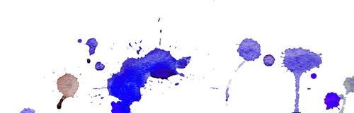 Blauwe waterverfplonsen en vlekken op witte achtergrond Inkt het schilderen Hand getrokken illustratie Abstract waterverfkunstwer Royalty-vrije Stock Fotografie