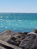 Blauwe waterverrukking stock fotografie
