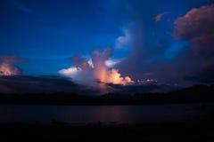 Blauwe wolk met regenboog Royalty-vrije Stock Fotografie