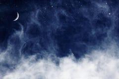 Blauwe Wolken en Maan Stock Afbeelding
