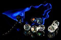 Blauwe zak en diamanten Royalty-vrije Stock Afbeeldingen