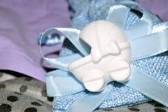 Blauwe zak met confettien Stock Afbeelding