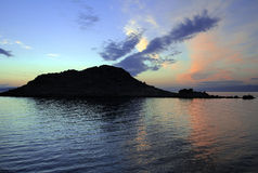 Blauwe zonsondergang over een ruïne Stock Foto's