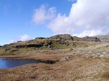 Blea Rigg, över och söder av Easedale Tarn Arkivbilder