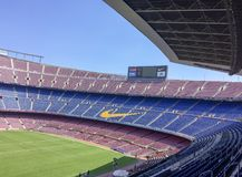 Bleachers vuoti dello stadio immagini stock libere da diritti