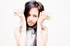 Blechdose-Telefonfrau Lizenzfreie Stockfotografie