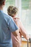 Bleiben im Pflegeheim lizenzfreies stockfoto