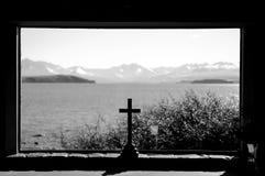 Bleiben Sie clem und kühlen Sie an der Kirche von der gute Hirte am See Tekapo in den Paradiesplätzen, Süd-Neuseeland ab Stockfoto