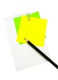 Bleistift auf dem Blatt Papier Stockfoto