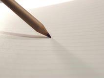 Bleistift auf Papier Stockfotografie