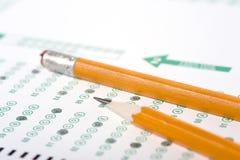 Bleistift auf Prüfung stockbilder