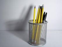 Bleistift-Halterung und Schatten lizenzfreies stockfoto