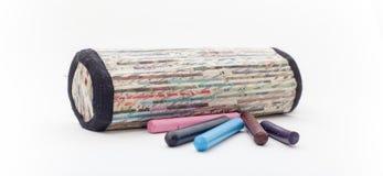 Bleistift-Kasten auf dem wite Hintergrund, Bleistiftkasten lokalisiert Lizenzfreie Stockfotografie