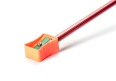 Bleistift mit Bleistiftspitzer Lizenzfreie Stockfotografie