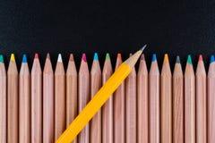 Bleistift mit dem Gummikopf, der heraus steht Lizenzfreie Stockbilder