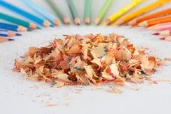 Bleistift mit dem Rasieren Stockfotografie