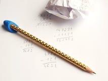Bleistift, Papier und Beispiele Lizenzfreie Stockfotografie