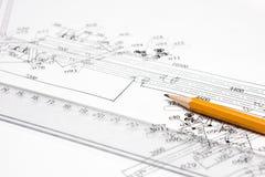 Bleistift, Tabellierprogramm und Zeichnung eine Nahaufnahme Stockfotografie