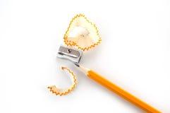 Bleistift und Bleistiftspitzer Lizenzfreie Stockfotografie