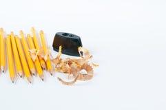 Bleistift und Bleistiftspitzer Lizenzfreies Stockfoto