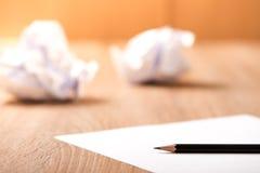 Bleistift- und Papieranmerkung, Ideenplan Stockfoto