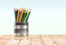 Bleistifte auf dem Schreibtisch stockfoto
