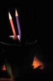 Bleistifte auf schwarzem Hintergrund, Lizenzfreie Stockfotos