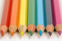 Bleistifte der Farbe eines Regenbogens Lizenzfreies Stockfoto