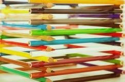 Bleistifte gestapelt im Blockhaus Lizenzfreies Stockfoto
