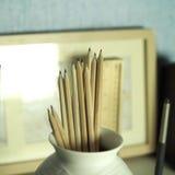 Bleistifte im Vase Stockbilder