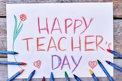 Bleistifte, Karte, Blumen und Herzen Lizenzfreie Stockfotos