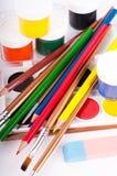 Bleistifte, Lacke und Pinsel Lizenzfreie Stockfotografie