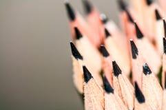 Bleistifte lokalisiert auf Dunkelheit Lizenzfreie Stockfotografie