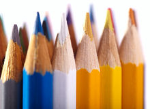 Bleistifte. Makroschuß getrennt auf Weiß. Stockbilder