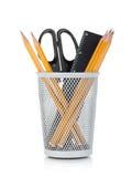 Bleistifte, Tabellierprogramm und Scheren Lizenzfreie Stockbilder